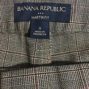 Banana Republic Pants - Plaid Dress Slacks by Banana Republic Like New 🛍